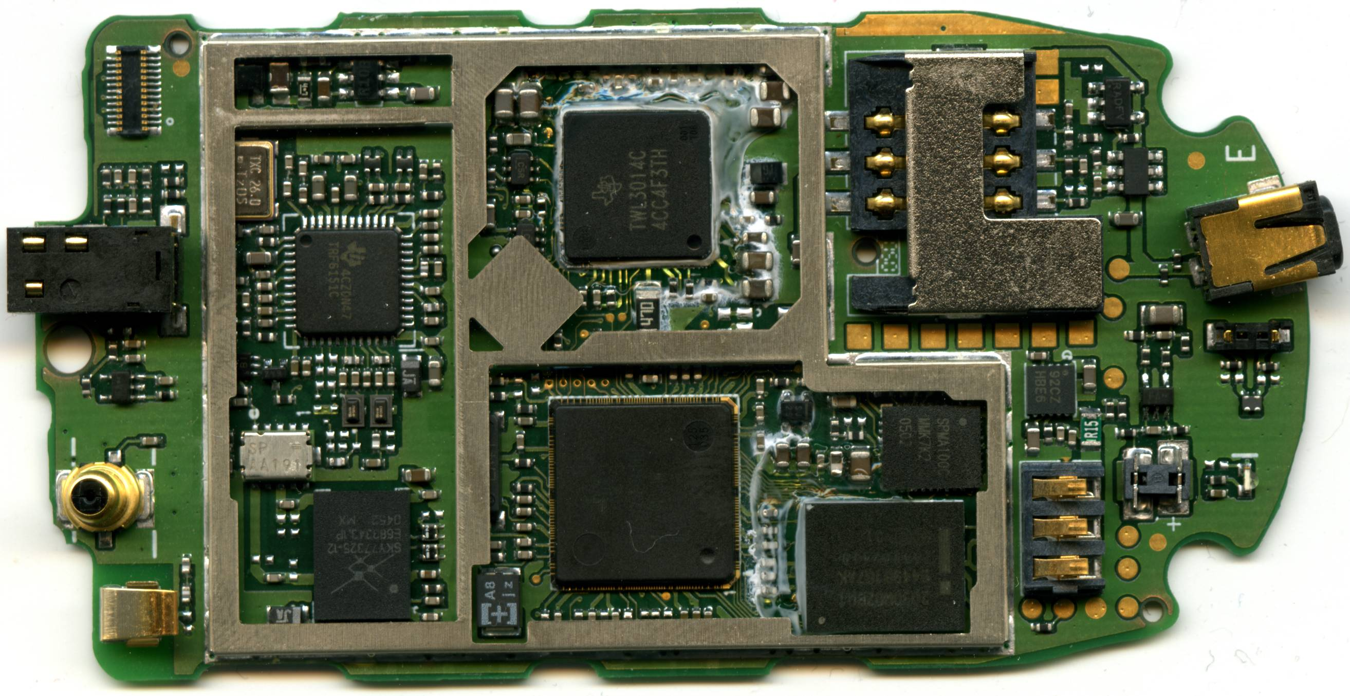 PCB scan of the Motorola V171